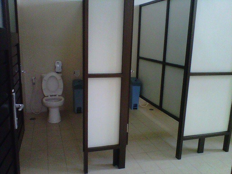 Toilet umum yang bersih