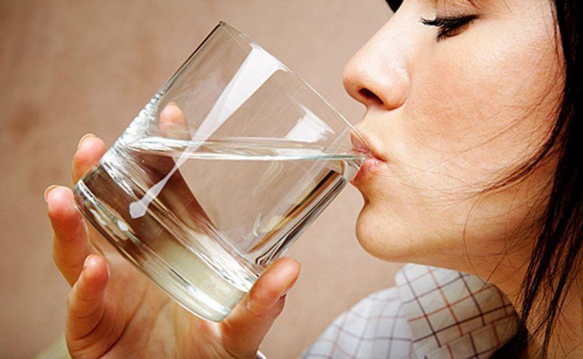 Setelah bangun tidur, segeralah minum segelas air