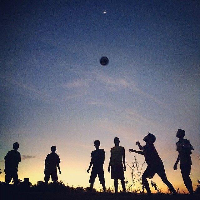 teman main bola di Pulau Sumba