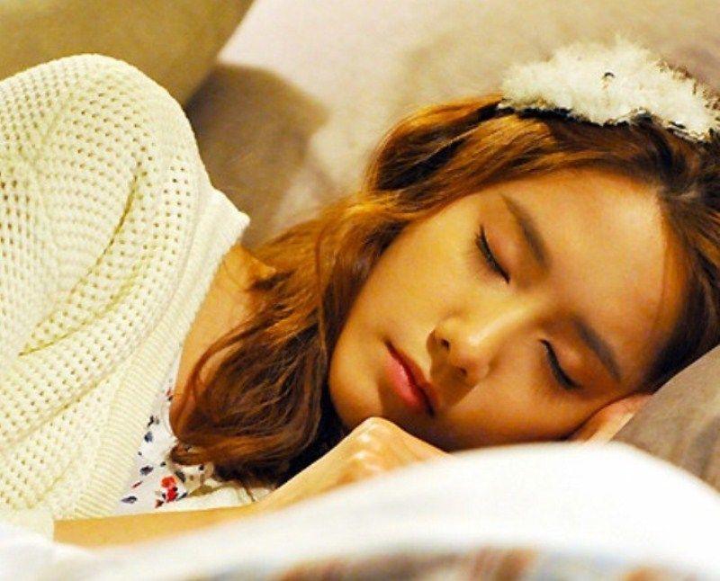 Tidur yang cukup dan jangan begadang