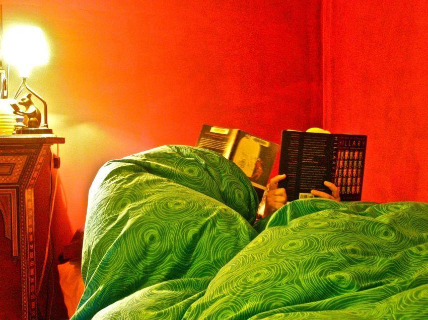 Sisihkan waktu 30 menit untuk membaca sebelum tidur