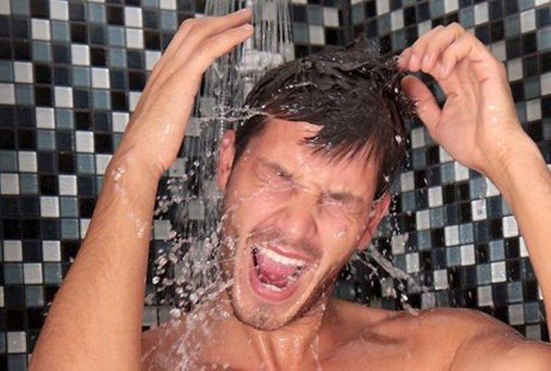 kenapa males mandi?