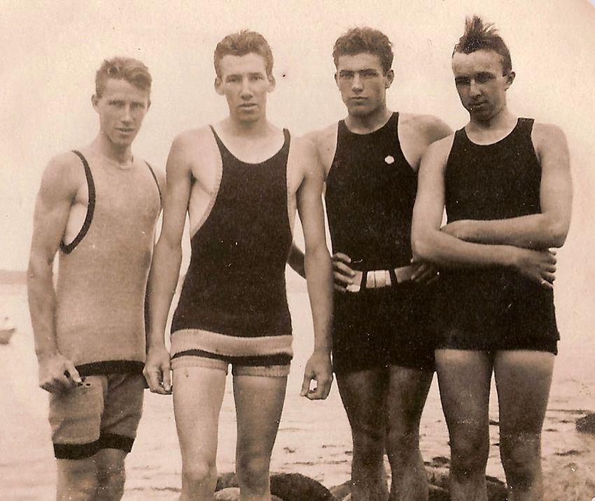 Pakaian renang pria di tahun 1930-an