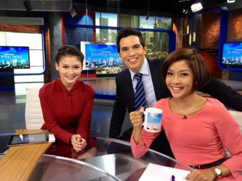 Kamu bisa jadi news anchor seperti mereka
