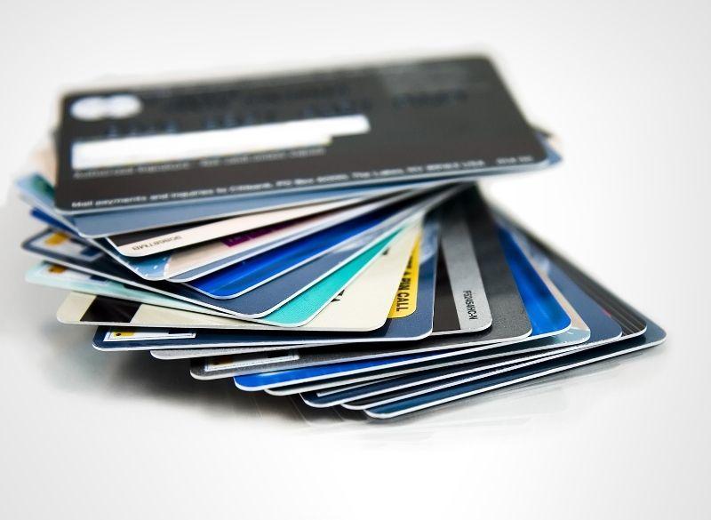 hidup dengan kartu kredit