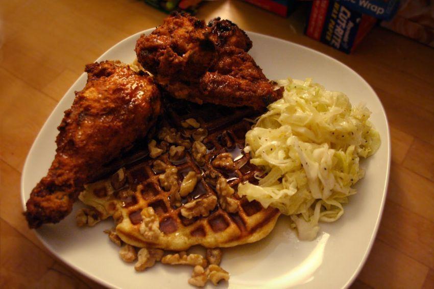 Ayam dan Waffle. Gak nyambung, man