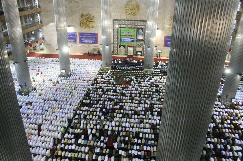 Istiqlal-Mosque-Jakarta-Indonesia-3