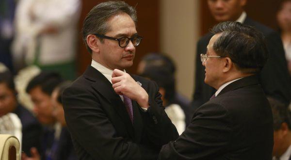 Harus belajar soal politik luar negeri Indonesia juga