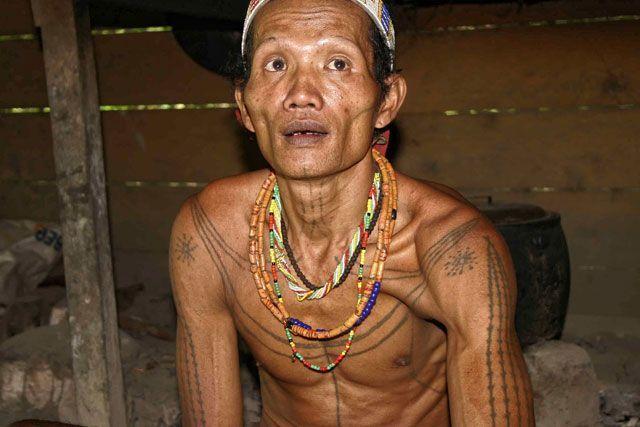 Suku Mentawai, tato jadi seni yang berharga