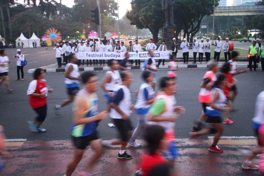 Ikutan maraton