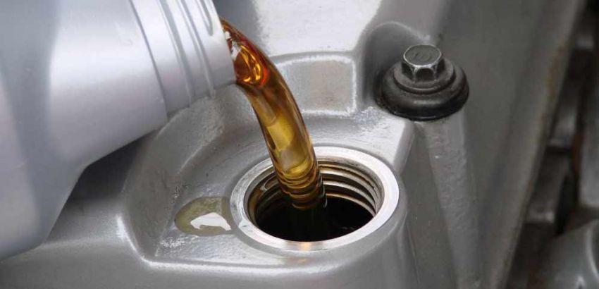 Oli yang berlebihan bisa meredam suara motor