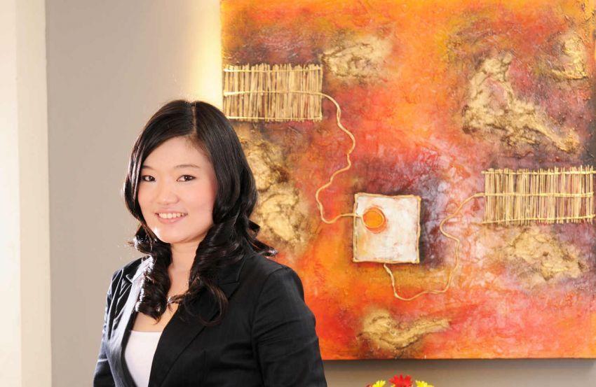Anita Feng, pernah bekerja di Bayer Indonesia