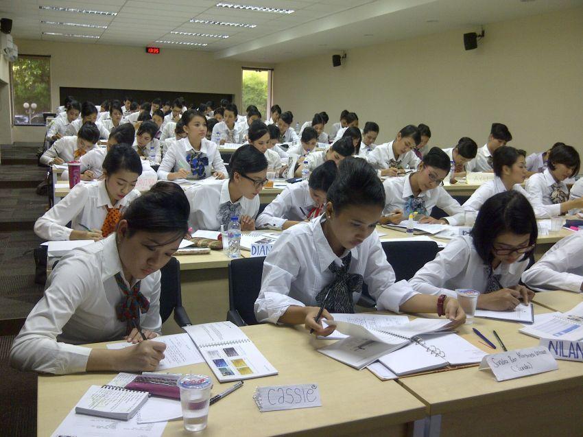 Tes masuk pendidikan pramugari susah