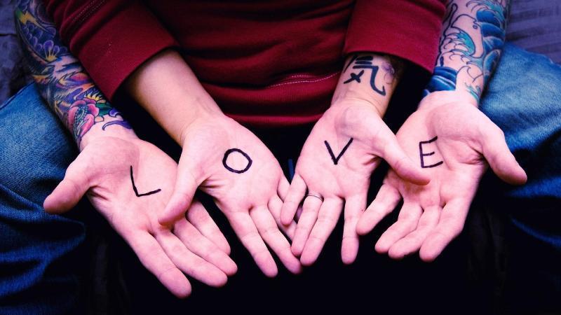hidup harus punya cinta
