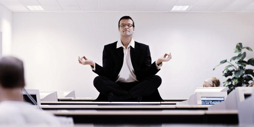 Meditasi di kantor
