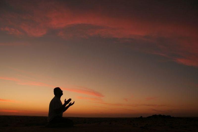 Berusaha dan disertai doa