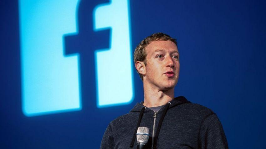CEO facebook aja mobilnya sederhana banget