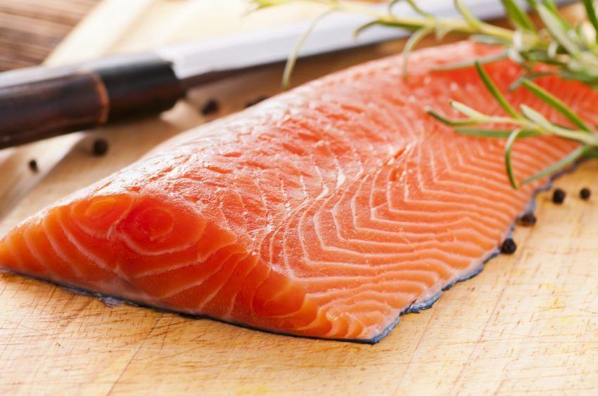 Salmon, kaya akan omega-3
