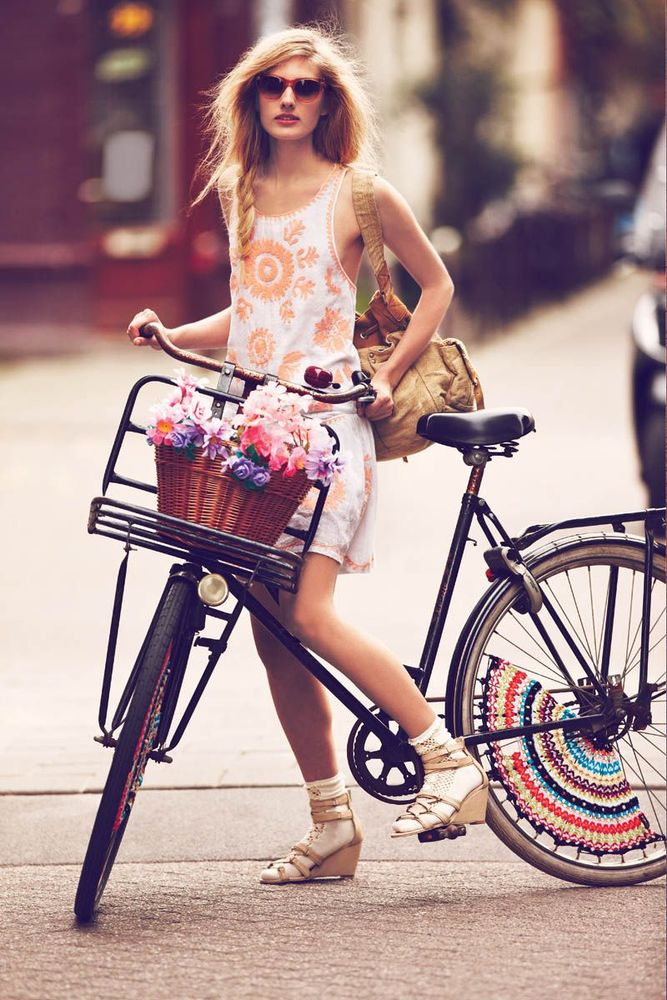 Girls-on-bikes-by-Guy-Aroch-for-Free-People-4