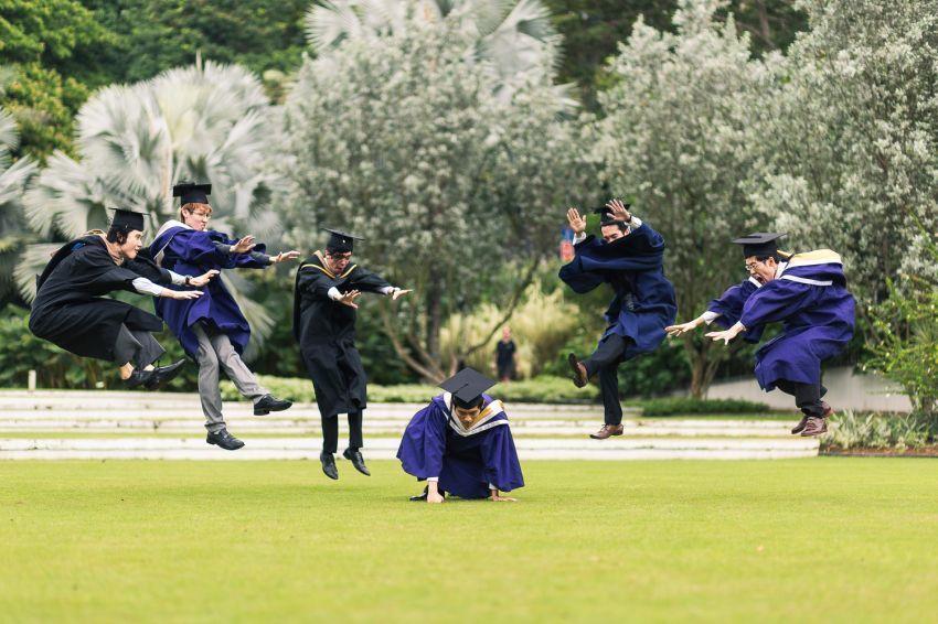 Graduation-Photoshoot-NTU-SMU-NUS-Boys-7