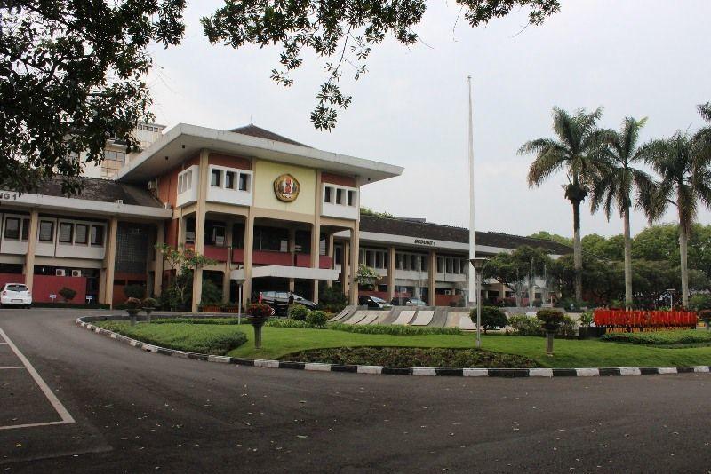 kampusnya kecil