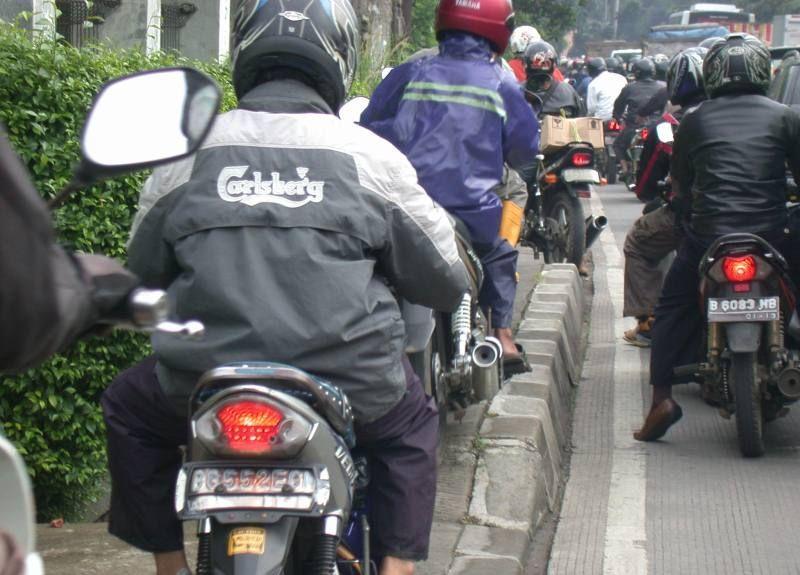 jangan rampas hak pedestrian!