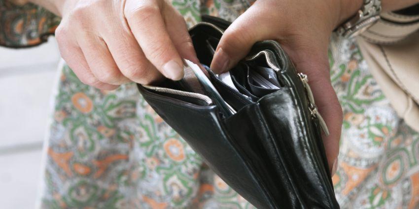 Untuk kebutuhan kecil, bayar dengan uang tunai