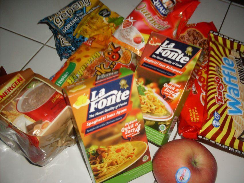 Persediaan makanan instan yang memadai
