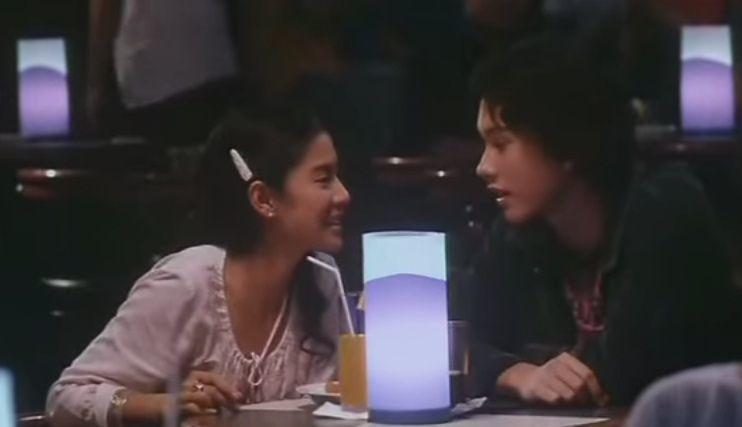 Cinta kencan dengan Rangga ke kafe