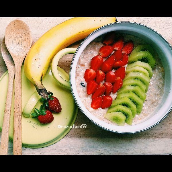 Straw-bana oats porridge (dokumen pribadi)
