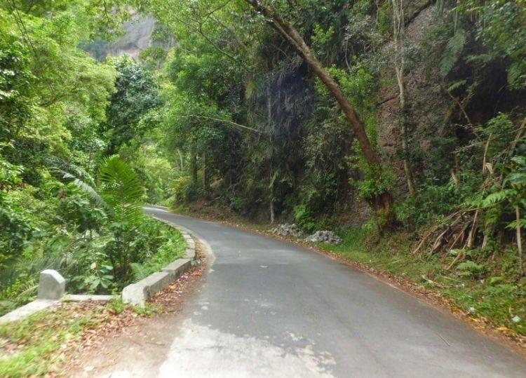 Jalan menuju Lembah Harau (dokumen pribadi)