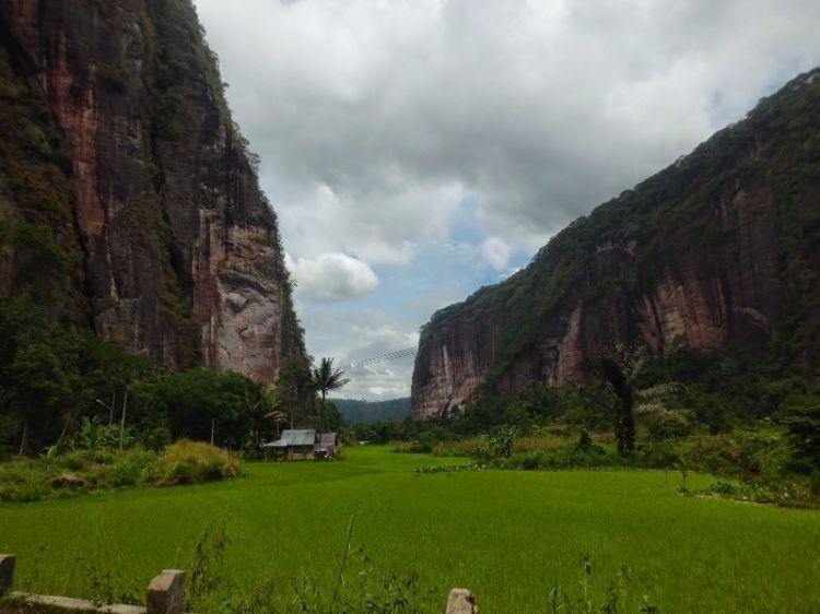 Panorama Lembah Harau (dokumen pribadi)