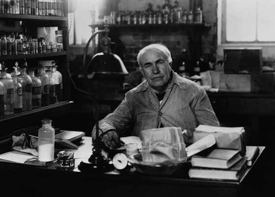 Penemuan bola lampu oleh Thomas Alfa Edison