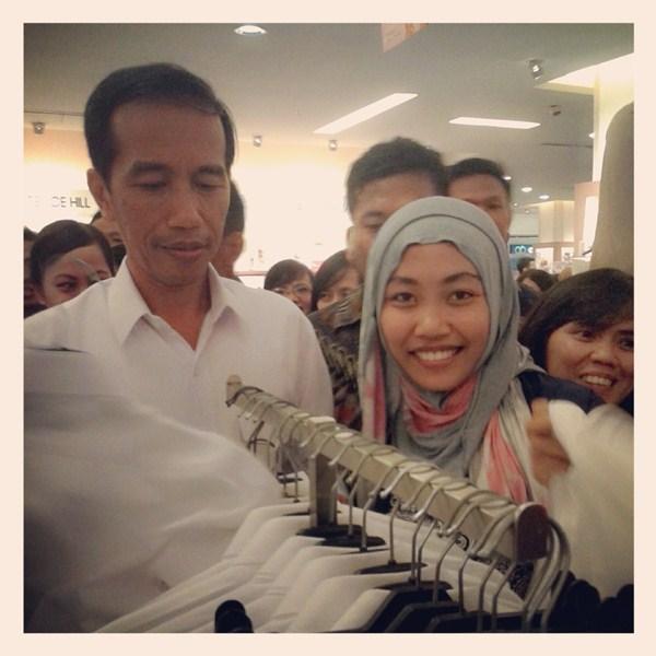 Evi, 22, Surabaya