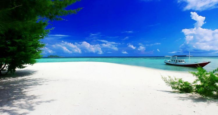 Pantai di Karimunjawa