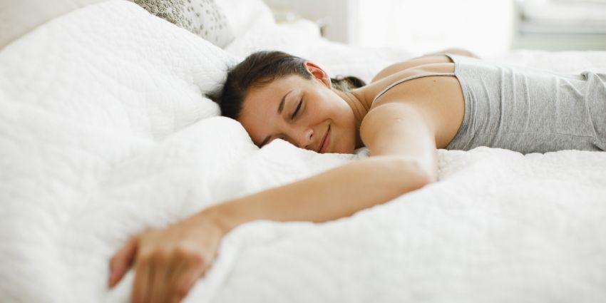 o-WOMAN-SLEEPING-BED-facebook