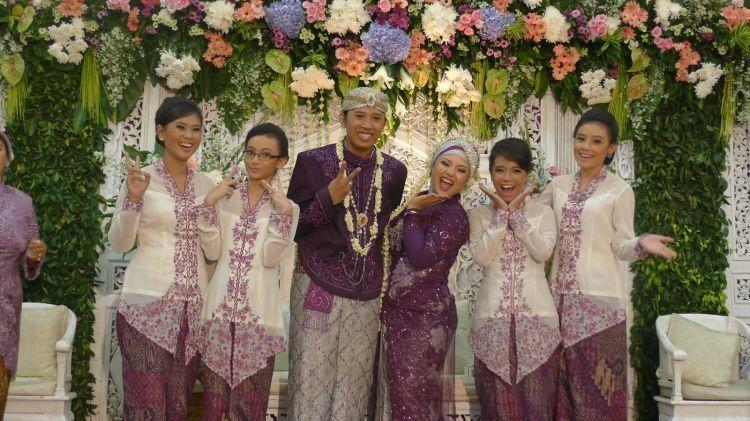 Seragam pernikahan
