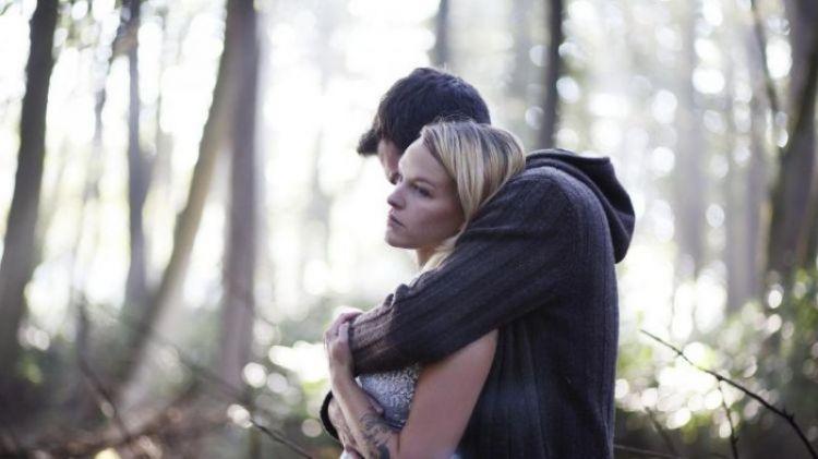 bertahan dalam hubungan yang tidak bahagia