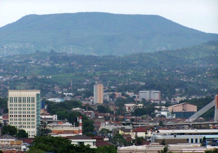 Suasana dan sejuknya Kota Bandung itu racun