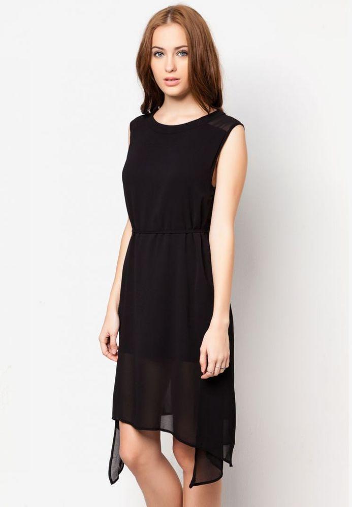 Dress warna hitam sederhana yang cocok dipadu-padankan