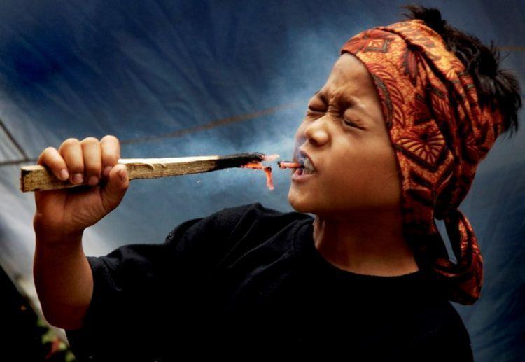 Atraksi Debus di Banten
