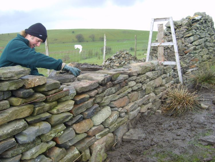 Dry_Stone_wall_building