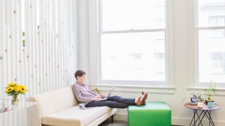 Kerja di rumah lebih santai