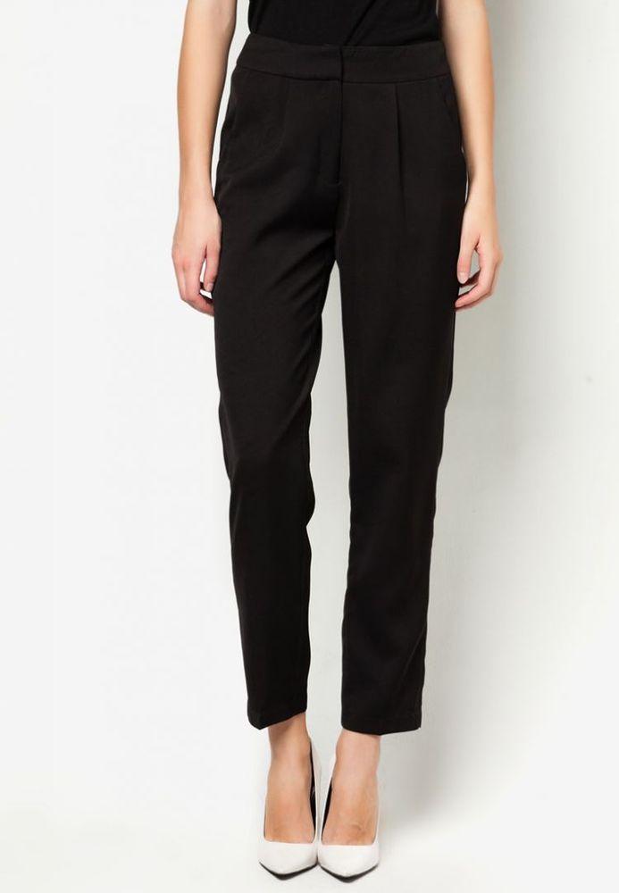 Basic pants yang kurang dari Rp 200.000,00