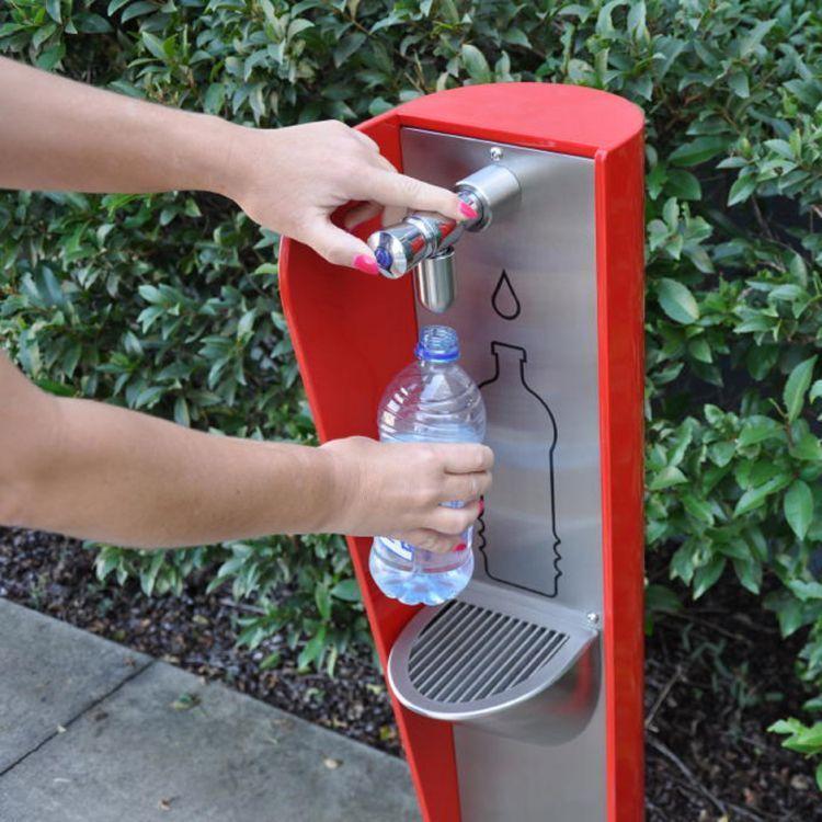 Isi ulang air setiap ada kesempatan