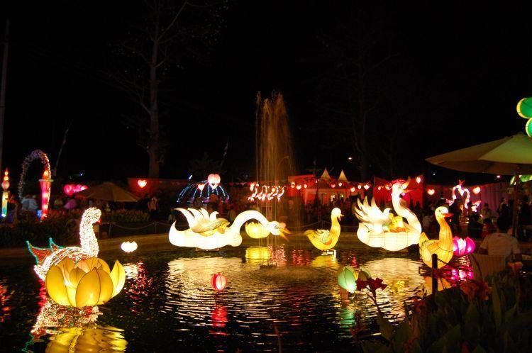 Taman Lampion di BNS