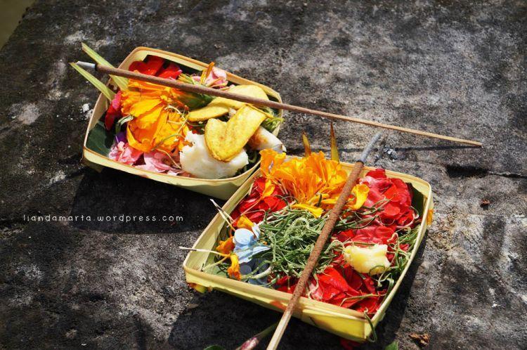 Sesajen di Bali