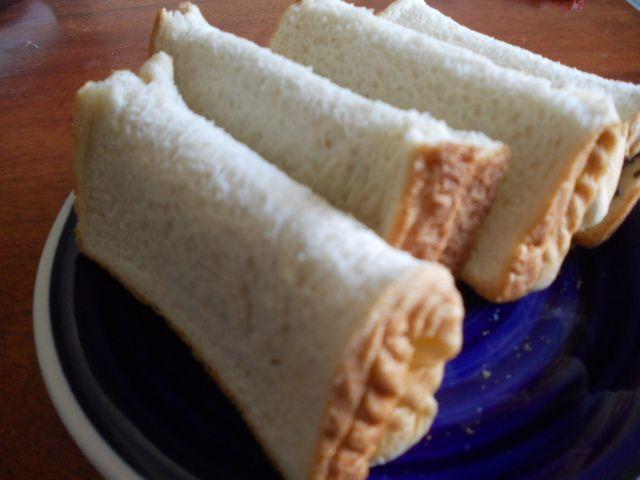 Sarapan roti tawar bikinan sendiri