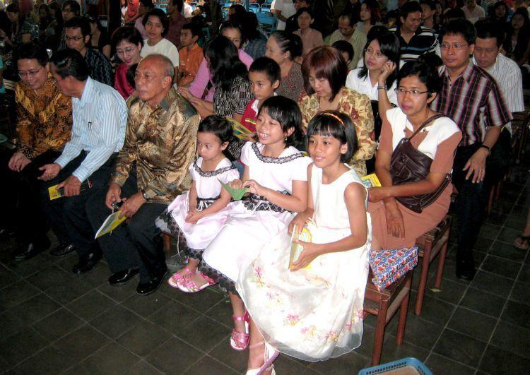 misa bareng keluarga