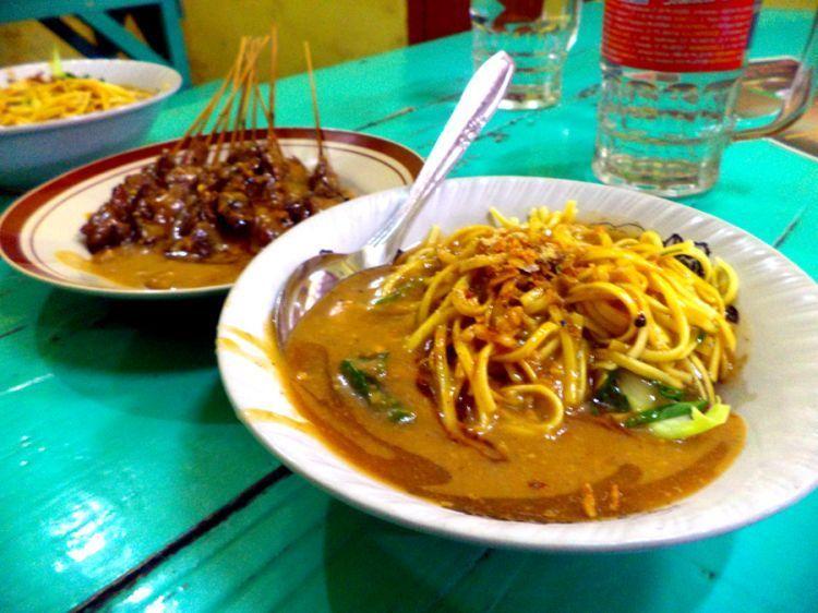 Mie ongklok makanan khas Wonosobo yang bisa menggoyang lidah
